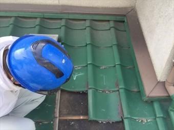岡山市中区 雨漏り点検 屋根にあがって点検