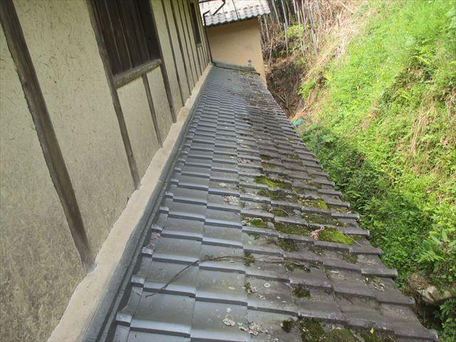 岡山県久米南町 屋根工事 セメント瓦 瓦にコケ