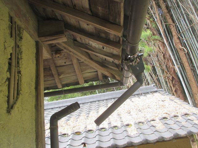 岡山県久米南町 屋根工事 セメント瓦 雨樋不具合