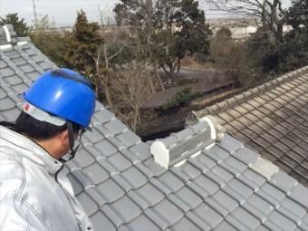 岡山市南区 屋根修繕 1階の瓦止めラバーロック工法の確認