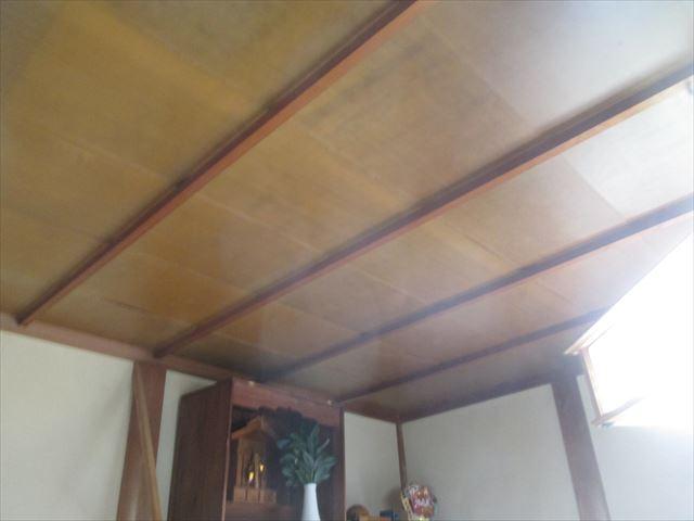 岡山県市北区 屋根工事 屋根リフォーム 天井に雨音