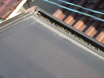 岡山県市北区 屋根工事 屋根リフォーム 2階テラス雨樋詰まり