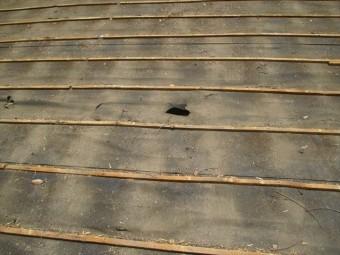 野地板の穴