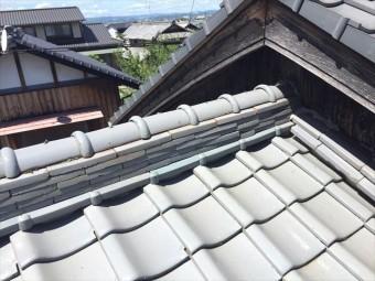岡山市南区でのし瓦が崩れています。