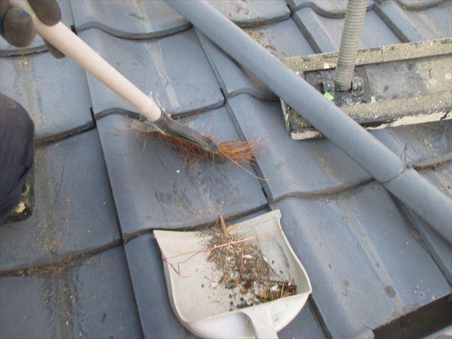 岡山市南区 屋根工事 屋根リフォーム 1階の屋根清掃