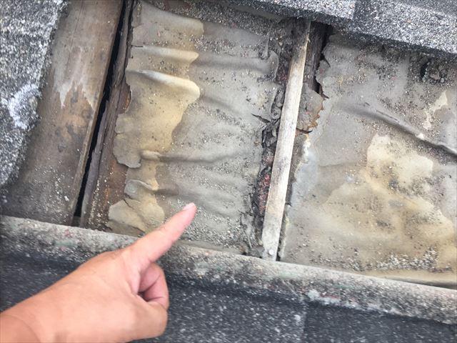 岡山市北区 屋根リフォーム セメント瓦 防水紙の劣化