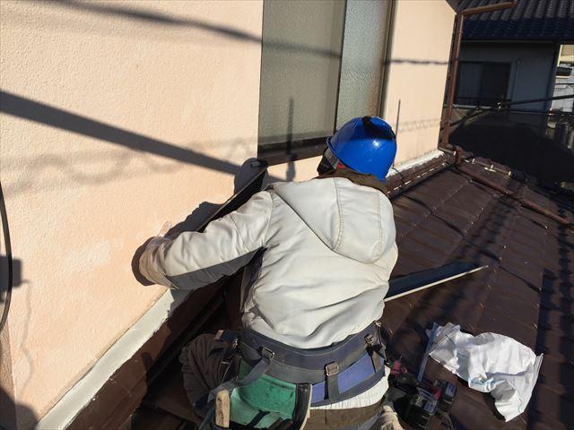 岡山市南区でガルバリウム鋼板を使ったの雨押え板金屋根リフォーム