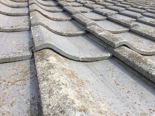 倉敷市 屋根修理点検下地が下がり瓦に隙間