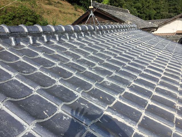 岡山市中区で瓦屋根のズレ止め工事のコーキング施工不良で雨漏り