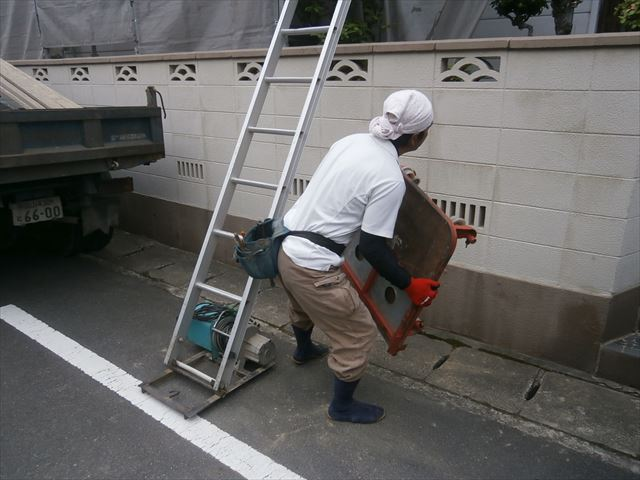 岡山市北区 屋根工事 屋根リフォーム 瓦揚げ機セット